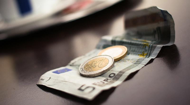 Billete de 5 Euros . Picjumbo.com